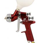 Краскораспылитель DeVilbiss GTiPPRO с подачей материала под давлением, воздушной головой T2 Trans-Tech и соплом 1,4 мм.